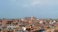 Veduta del centro storico di Venezia dalla terrazza dei Mori